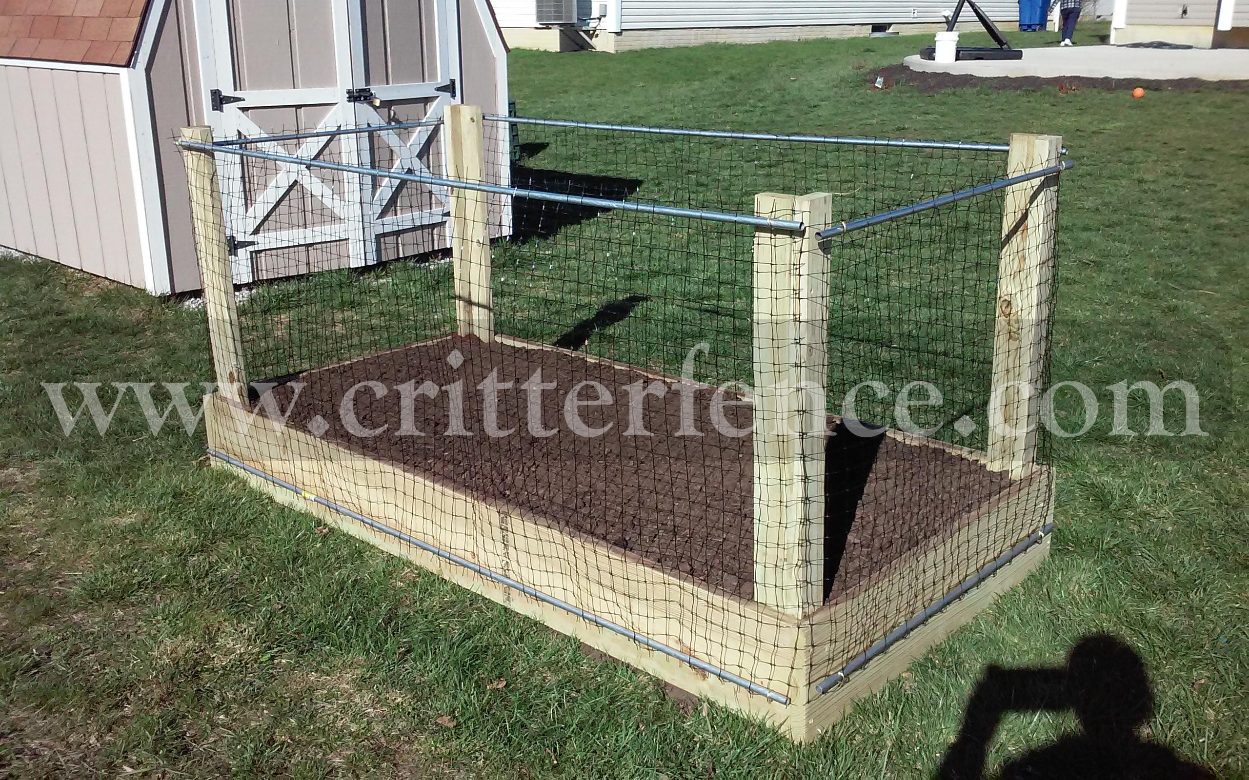 garden fence stakes