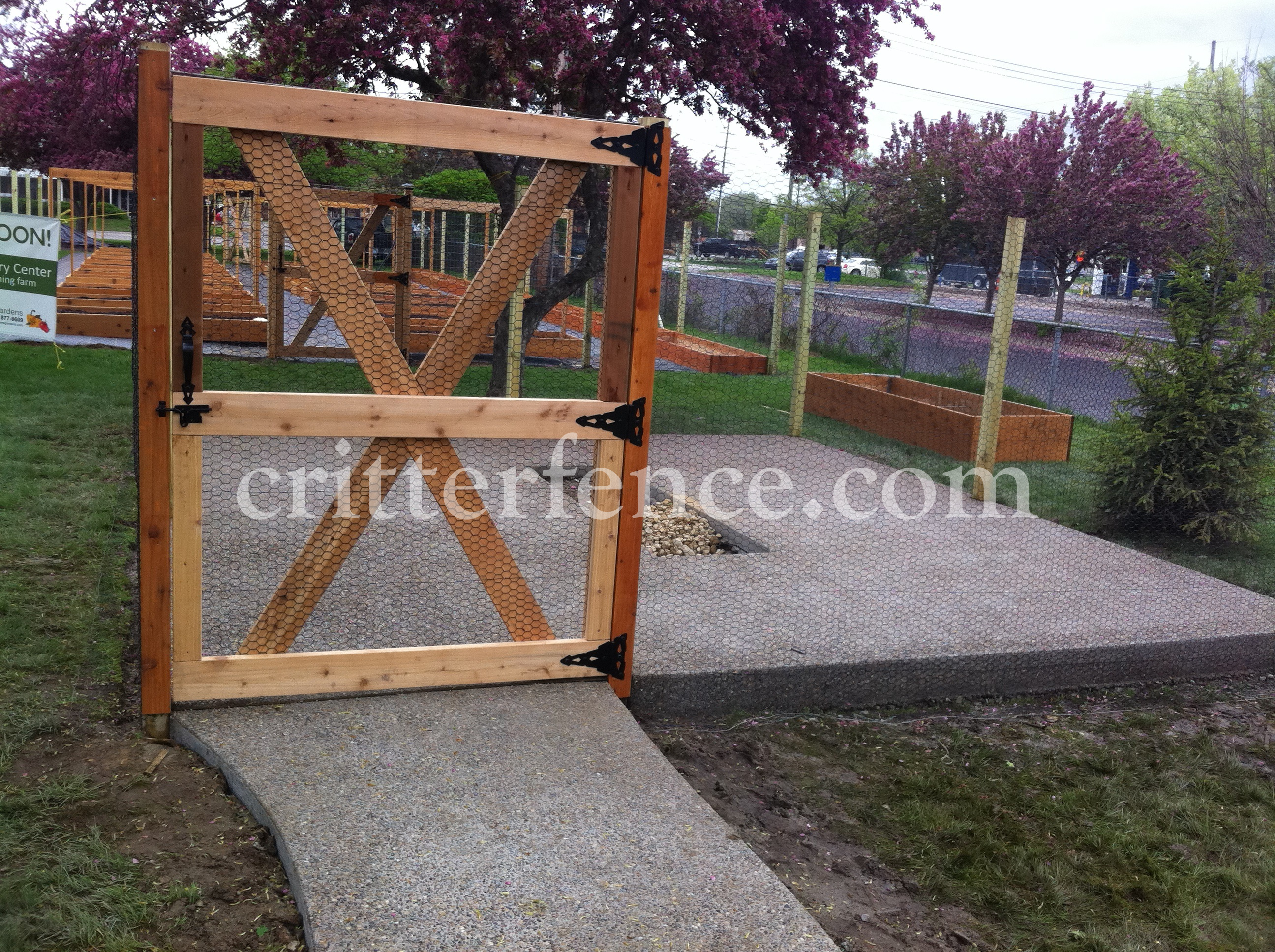 commercial garden fence 2